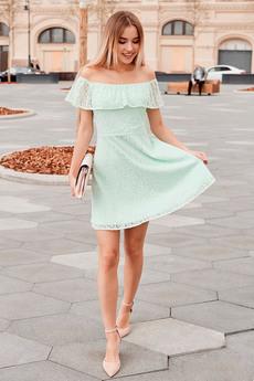 Кружевное платье с открытыми плечами Mollis